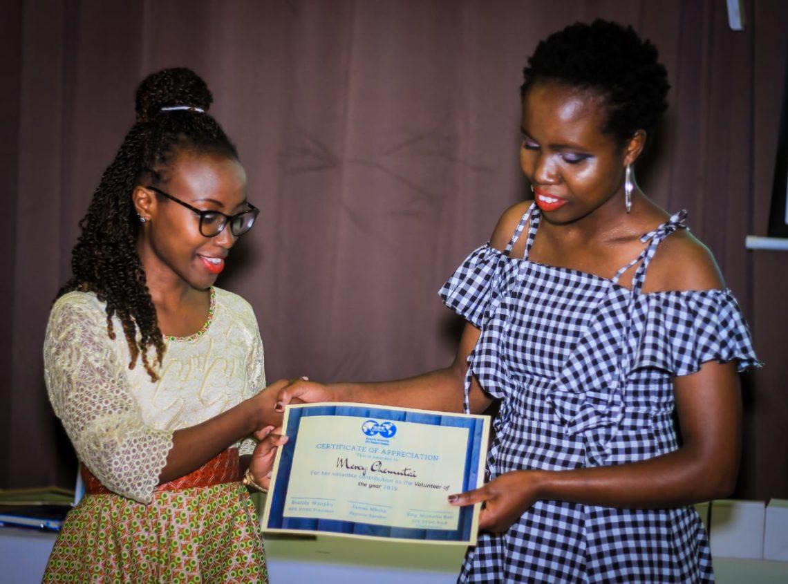 Lynette accepting award at SPE KU gala dinner
